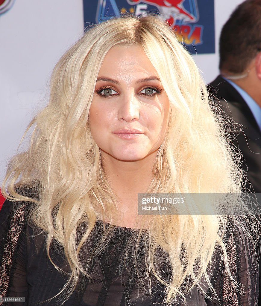 <a gi-track='captionPersonalityLinkClicked' href=/galleries/search?phrase=Ashlee+Simpson&family=editorial&specificpeople=201809 ng-click='$event.stopPropagation()'>Ashlee Simpson</a> arrives at the Los Angeles premiere of 'Planes' held at the El Capitan Theatre on August 5, 2013 in Hollywood, California.