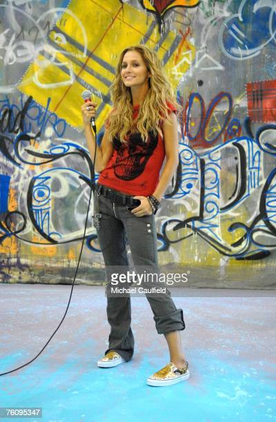 Ashlee Simpson behind the scenes at the Skechers photo shoot She will appear in the footwear ads later this year