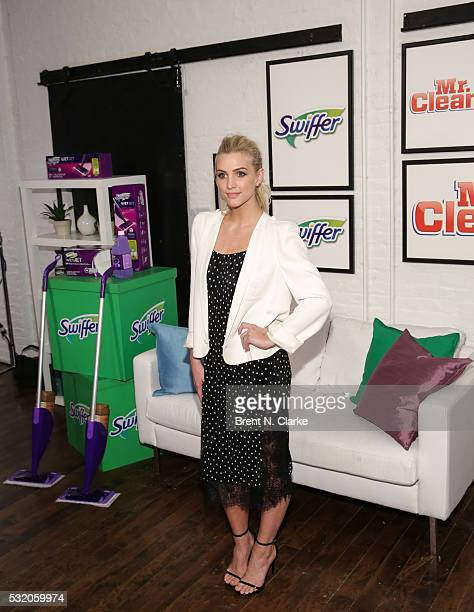 Ashlee Simpson Ross joins HGTV star Jonathan Scott Swiffer Mr Clean to celebrate movers on May 17 2016 in New York City