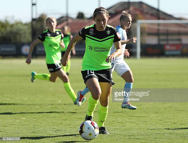 Ashleigh Sykes of Canberra United runs with the ball during the round six WLeague match between Melbourne City FC and Canberra Unitred at CB Smith...