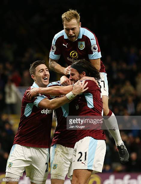 Ashley Barnes of Burnley celebrates scoring his side's fourth goal with his team mates during the Premier League match between Burnley and Sunderland...