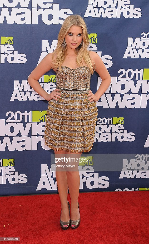 Ashley Benson arrives at the 2011 MTV Movie Awards at Universal Studios' Gibson Amphitheatre on June 5, 2011 in Universal City, California.
