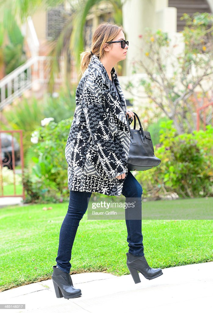 <a gi-track='captionPersonalityLinkClicked' href=/galleries/search?phrase=Ashley+Benson&family=editorial&specificpeople=594114 ng-click='$event.stopPropagation()'>Ashley Benson</a> is seen on January 25, 2014 in Los Angeles, California.