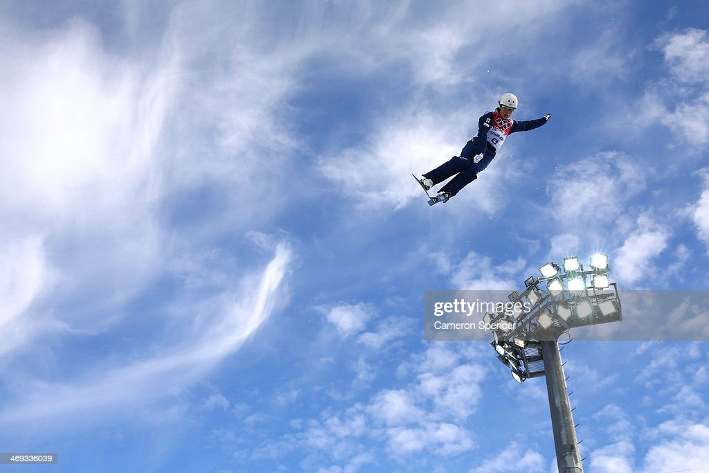 Caldwell (ID) United States  City pictures : Ashley Caldwell of the United States practices before the Freestyle ...