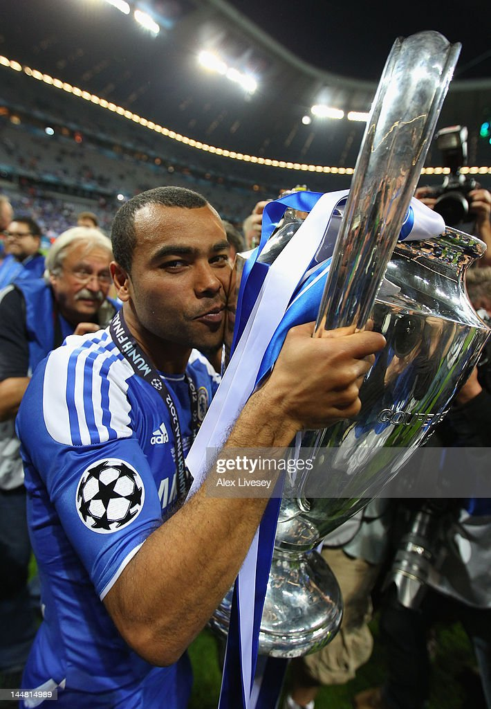 Ashley Cole of Chelsea celebrates kissing the trophy after their victory in the UEFA Champions League Final between FC Bayern Muenchen and Chelsea at...