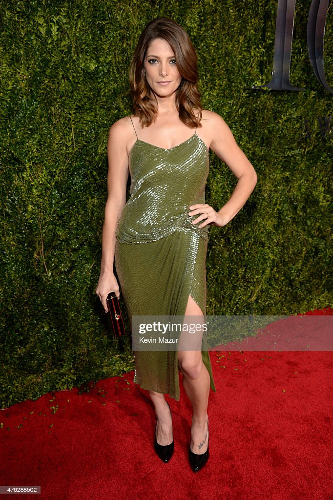 <a gi-track='captionPersonalityLinkClicked' href=/galleries/search?phrase=Ashley+Greene&family=editorial&specificpeople=781552 ng-click='$event.stopPropagation()'>Ashley Greene</a> attends the 2015 Tony Awards at Radio City Music Hall on June 7, 2015 in New York City.
