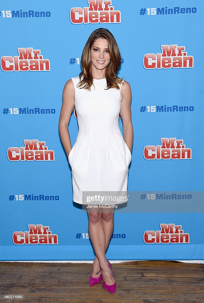 <a gi-track='captionPersonalityLinkClicked' href=/galleries/search?phrase=Ashley+Greene&family=editorial&specificpeople=781552 ng-click='$event.stopPropagation()'>Ashley Greene</a> attends the #15MINRENO Ideas With Mr. Clean at 24th Street Loft on July 28, 2015 in New York City.