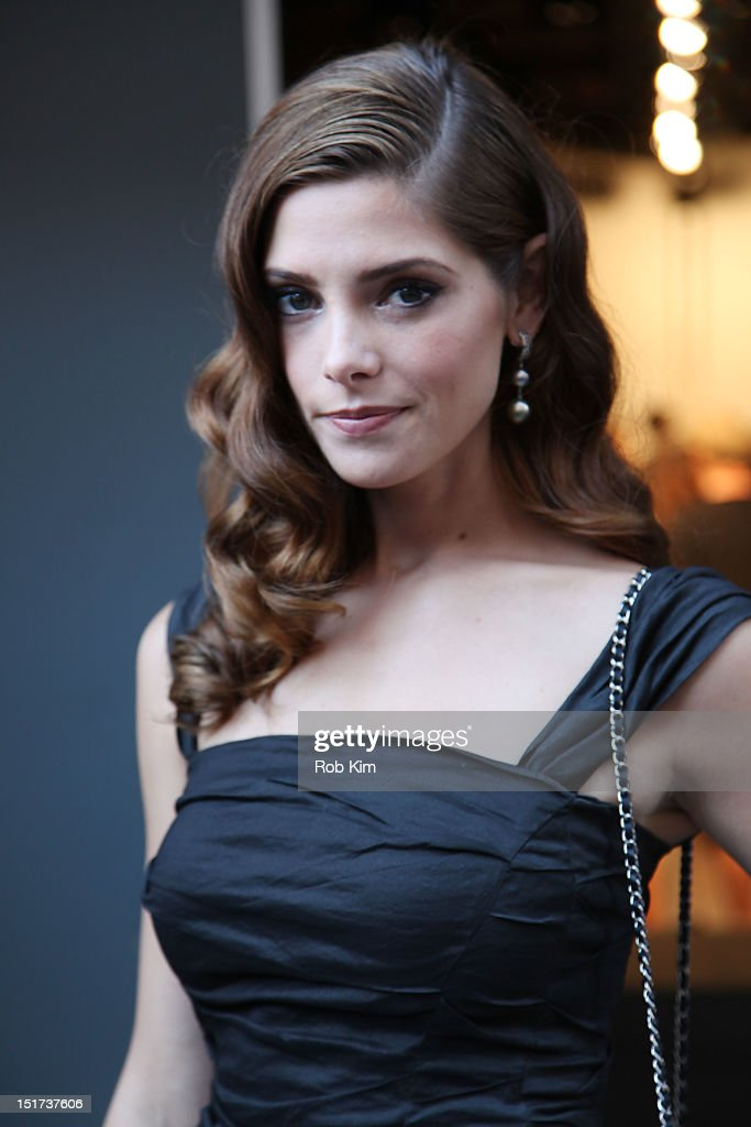 <a gi-track='captionPersonalityLinkClicked' href=/galleries/search?phrase=Ashley+Greene&family=editorial&specificpeople=781552 ng-click='$event.stopPropagation()'>Ashley Greene</a> departs Donna Karan's fashion show on September 10, 2012 in New York City.