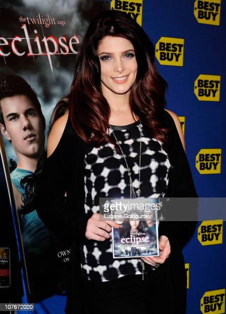 Ashley Greene signs copies of 'The Twilight Saga Eclipse' at Best Buy on December 17 2010 in New York City