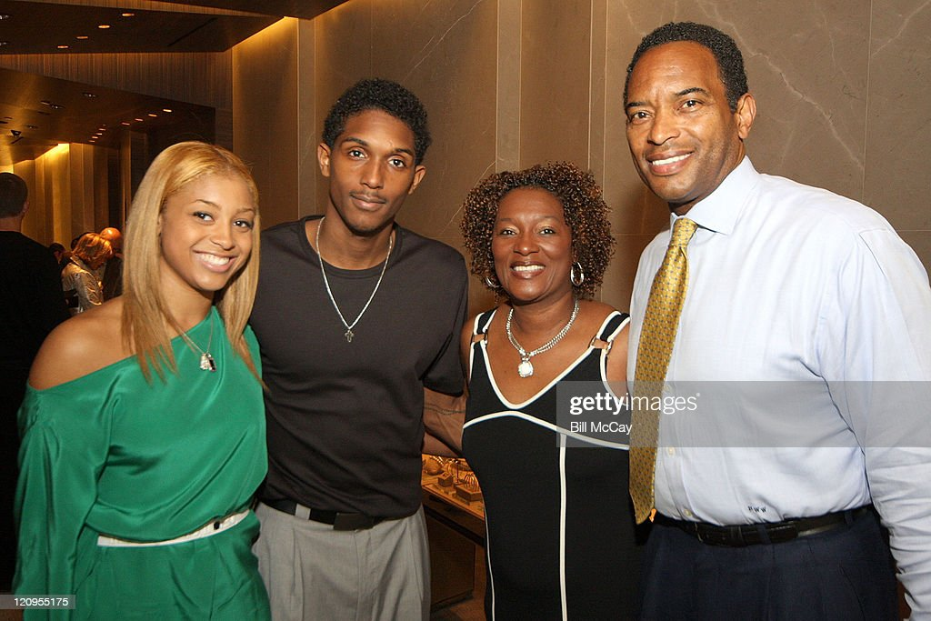 Ashley Henderson Philadelphia 76ers basketball player Lou Williams Lou's Mom Janice and Reggie Wilkes attend the David Yurman Shopping Experience to...