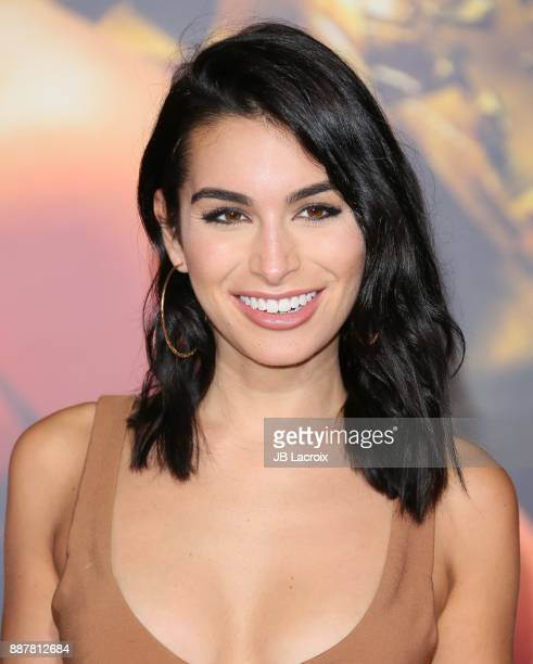Ashley Iaconetti attends the premiere of Warner Bros Pictures' 'Justice League' on November 13 2017 in Los Angeles California