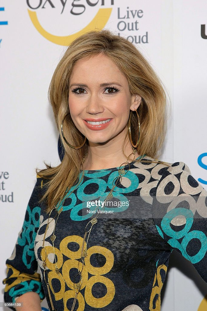 <a gi-track='captionPersonalityLinkClicked' href=/galleries/search?phrase=Ashley+Jones&family=editorial&specificpeople=226927 ng-click='$event.stopPropagation()'>Ashley Jones</a> attends the Jenny McCarthy 'Your Shape' Launch Party at Hyde Lounge on December 2, 2009 in West Hollywood, California.