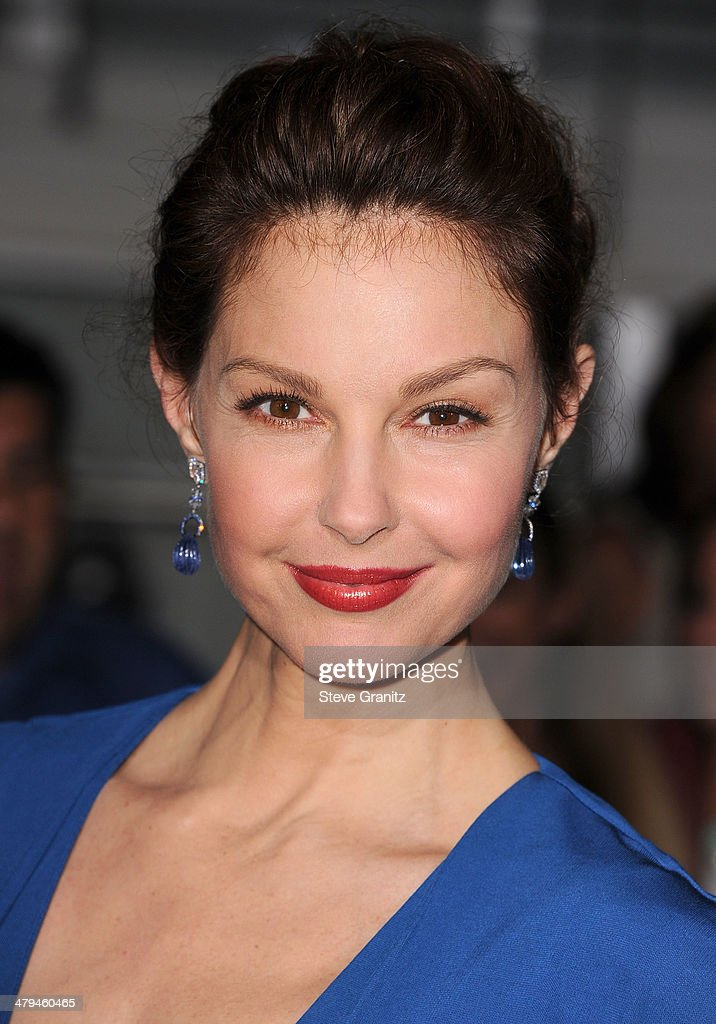 Ashley Judd arrives at the 'Divergent' - Los Angeles Premiere at Regency Bruin Theatre on March 18, 2014 in Los Angeles, California.