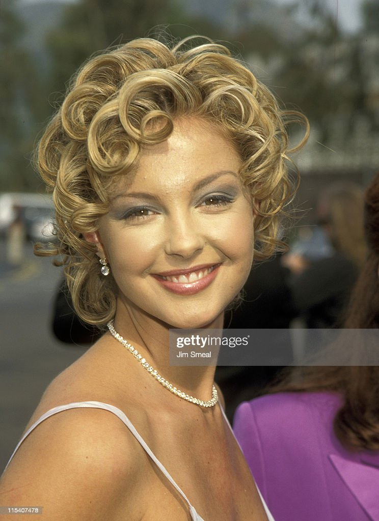<a gi-track='captionPersonalityLinkClicked' href=/galleries/search?phrase=Ashley+Judd&family=editorial&specificpeople=171188 ng-click='$event.stopPropagation()'>Ashley Judd</a> during 30th Annual Academy of Country Music Awards at Universal Amphitheatre in Universal City, California, United States.