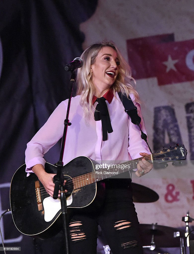 Celebrities travel just cute 2016 in focus boards sign in register - Ashley Monroe Performs During The 2016 Celebrity Barn Dance Benefitting Music Health Alliance At Jaeckle Centre