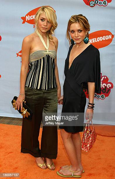 Ashley Olsen and MaryKate Olsen during Nickelodeon's 17th Annual Kids' Choice Awards Arrivals at Pauley Pavillion in Westwood California United States