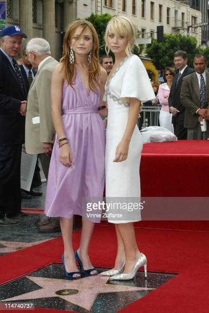 Ashley Olsen and MaryKate Olsen MaryKate Olsen and Ashley Olsen Honored with a Star on The Hollywood Walk of Fame 4/29/2004