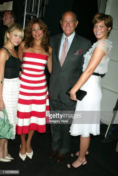 Ashley Olsen Eva Mendes and Mandy Moore pose with Oscar de la Renta