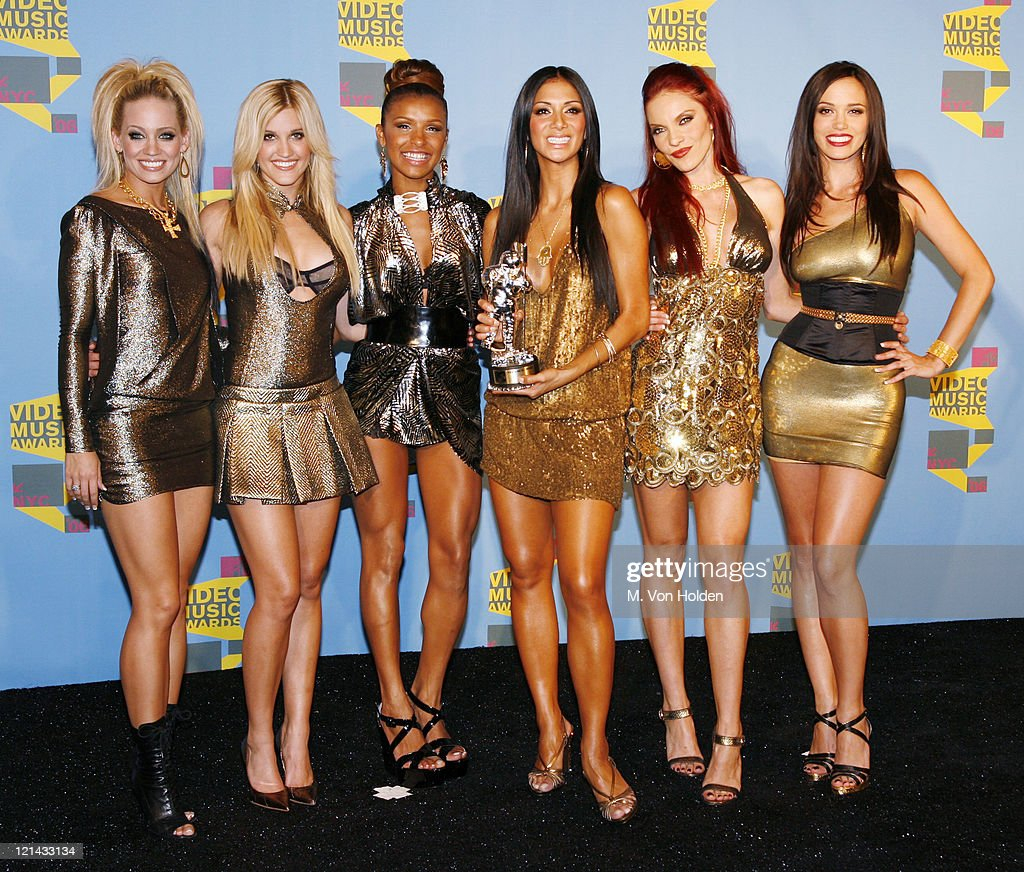 Ashley Roberts Kimberly Wyatt Melody Thornton Nicole Scherzinger Carmit Bachar and Jessica Sutta of The Pussycat Dolls winners Best Dance Video for...