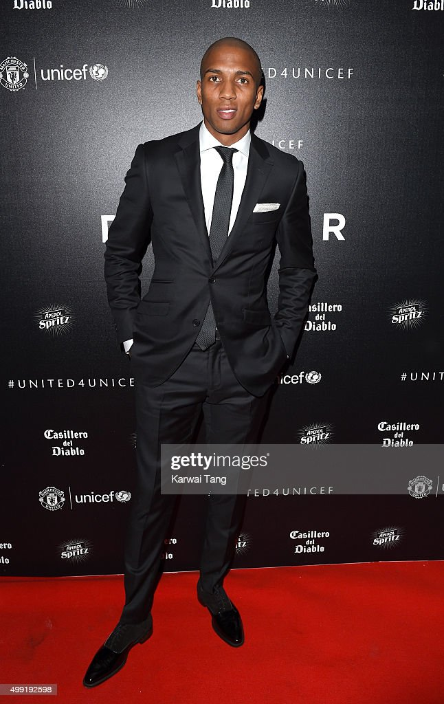 <a gi-track='captionPersonalityLinkClicked' href=/galleries/search?phrase=Ashley+Young&family=editorial&specificpeople=623155 ng-click='$event.stopPropagation()'>Ashley Young</a> attends the United for UNICEF Gala Dinner at Old Trafford on November 29, 2015 in Manchester, England.