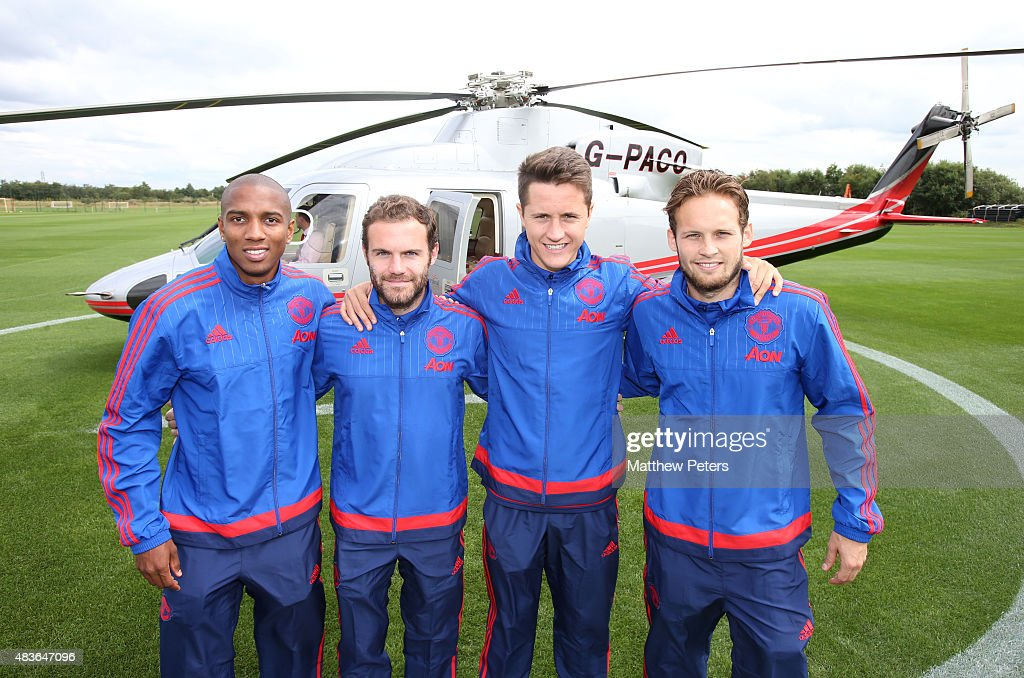 Hilo del Manchester United Ashley-young-juan-mata-ander-herrera-and-daley-blind-of-manchester-picture-id483647096