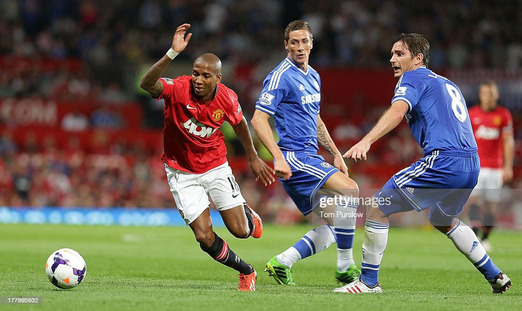 <a gi-track='captionPersonalityLinkClicked' href=/galleries/search?phrase=Ashley+Young&family=editorial&specificpeople=623155 ng-click='$event.stopPropagation()'>Ashley Young</a> of Manchester United in action with <a gi-track='captionPersonalityLinkClicked' href=/galleries/search?phrase=Frank+Lampard+-+Born+1978&family=editorial&specificpeople=11497645 ng-click='$event.stopPropagation()'>Frank Lampard</a> of Chelsea during the Barclays Premier League match between Manchester United and Chelsea at Old Trafford on August 26, 2013 in Manchester, England.