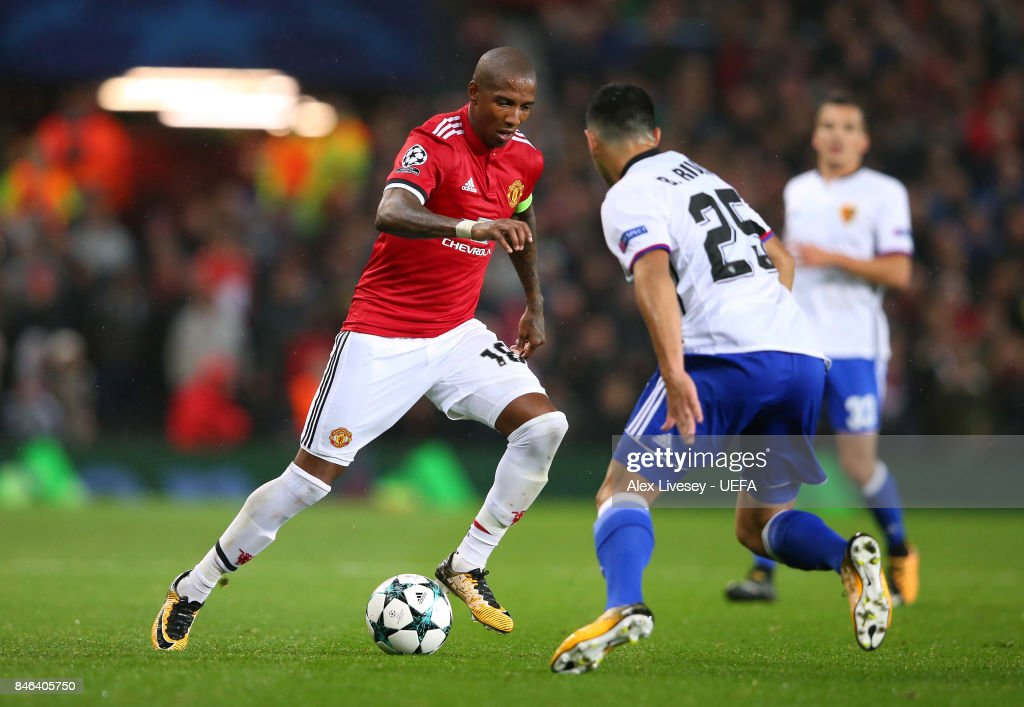 http://media.gettyimages.com/photos/ashley-young-of-manchester-united-takes-on-blas-riveros-of-fc-basel-picture-id846405750?k=6&m=846405750&s=594x594&w=0&h=ghxy9Jm4KKdDET6zPPCYjecugkVeqPgQ5LFzFYAT42Q=