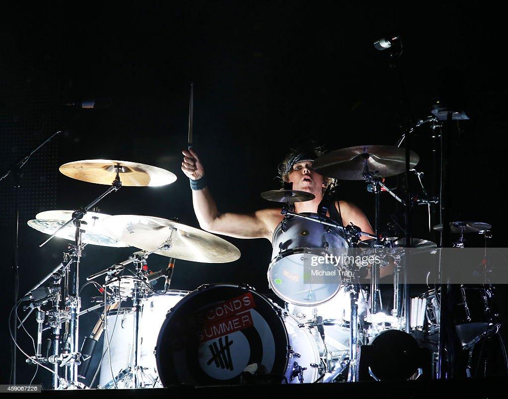 5 Seconds Of Summer In Concert - Los Angeles, CA