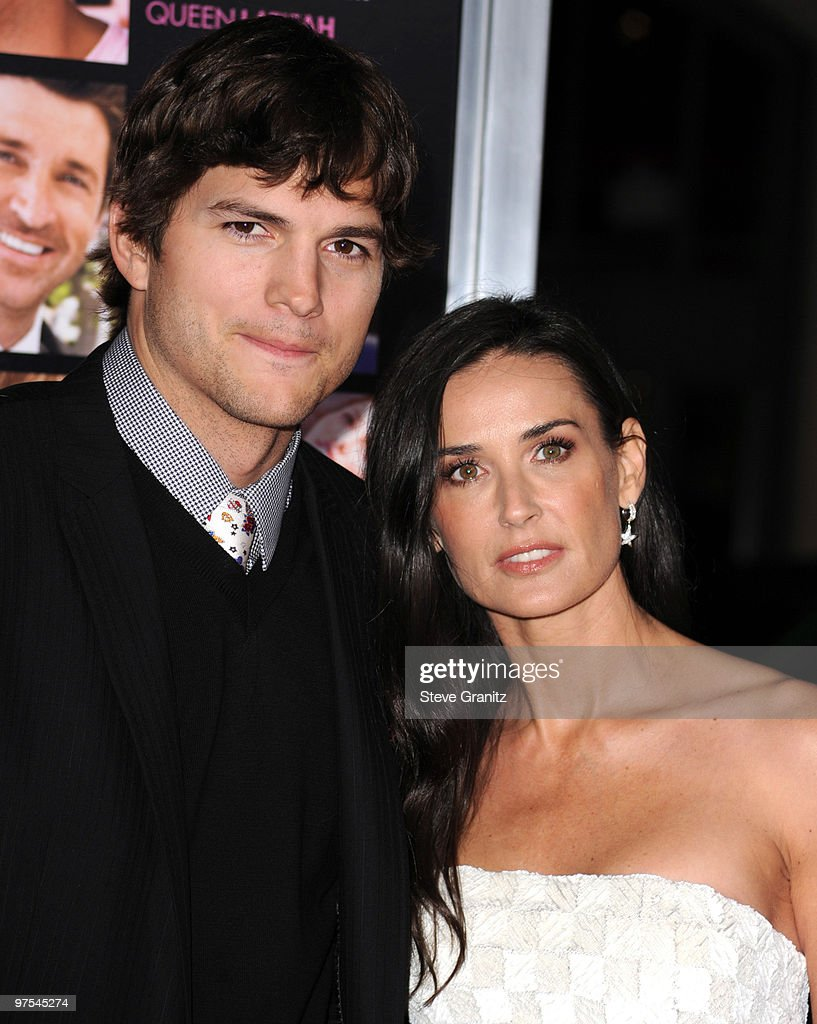 Ashton Kutcher and Demi Moore attends the 'Valentine's Day' Los Angeles Premiere at Grauman's Chinese Theatre on February 8, 2010 in Hollywood, California.