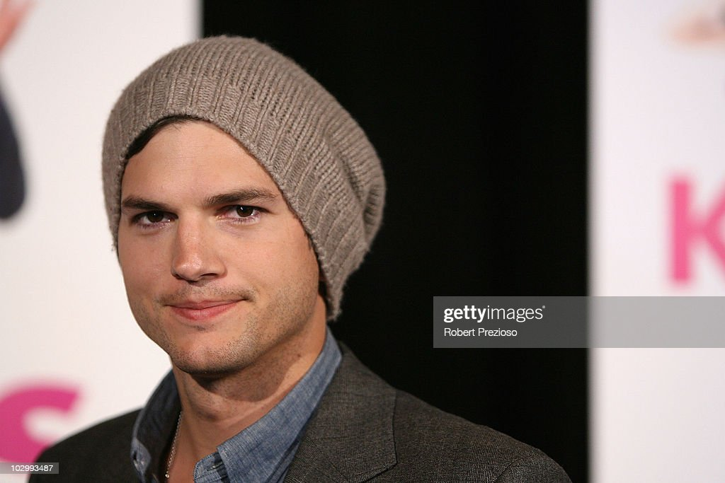 Ashton Kutcher arrives at the premiere of 'Killers' at the Village Jam Factory on July 20 2010 in Melbourne Australia