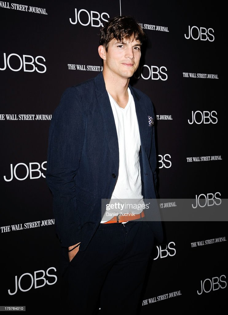 <a gi-track='captionPersonalityLinkClicked' href=/galleries/search?phrase=Ashton+Kutcher&family=editorial&specificpeople=202015 ng-click='$event.stopPropagation()'>Ashton Kutcher</a> attends the 'Jobs' pemiere at The Museum of Modern Art on August 7, 2013 in New York City.