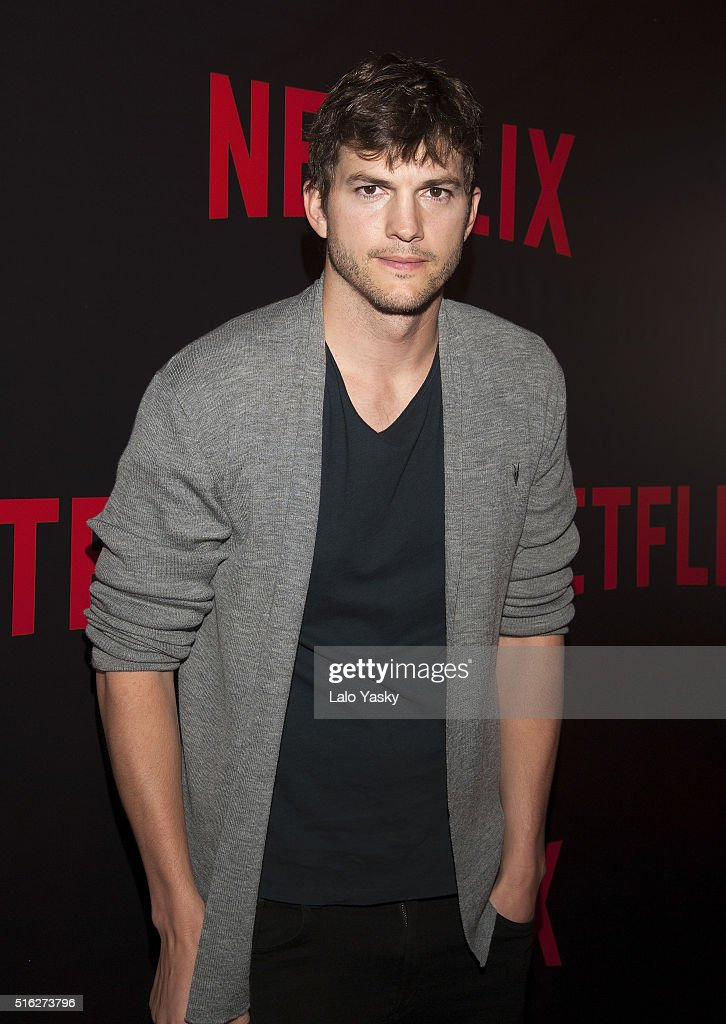 <a gi-track='captionPersonalityLinkClicked' href=/galleries/search?phrase=Ashton+Kutcher&family=editorial&specificpeople=202015 ng-click='$event.stopPropagation()'>Ashton Kutcher</a> attends the 'Netflix Red Carpet' event at the Four Seasons Hotel on March 17, 2016 in Buenos Aires, Argentina.