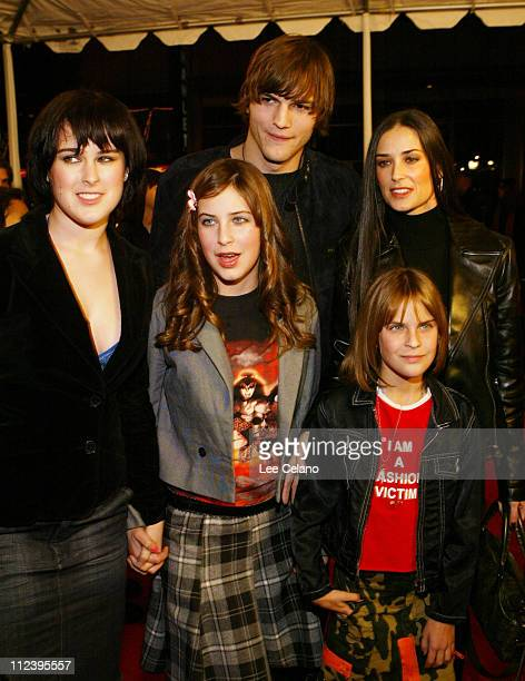 Ashton Kutcher Demi Moore and children during 'Cheaper by the Dozen' Los Angeles Premiere Red Carpet at Mann's Grauman's Chinese Theatre in Hollywood...