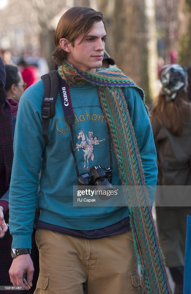 <a gi-track='captionPersonalityLinkClicked' href=/galleries/search?phrase=Ashton+Kutcher&family=editorial&specificpeople=202015 ng-click='$event.stopPropagation()'>Ashton Kutcher</a>