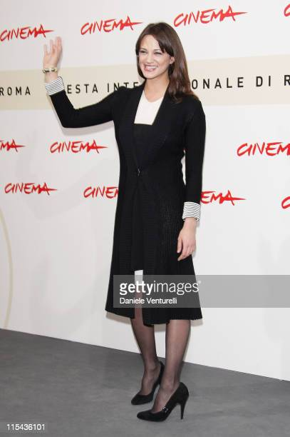 Asia Argento attends the 'La Terza Madre' photocall during Day 7 of the 2nd Rome Film Festival on October 24 2007 in Rome Italy