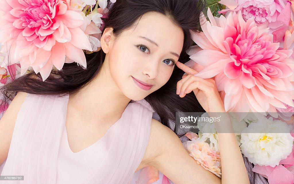 Asian beautiful Girl in flower : ストックフォト