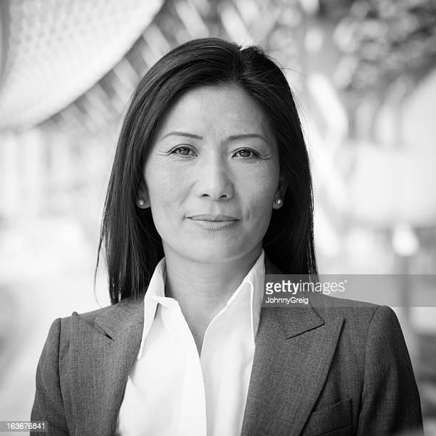 Portrait de femme d'affaires asiatique