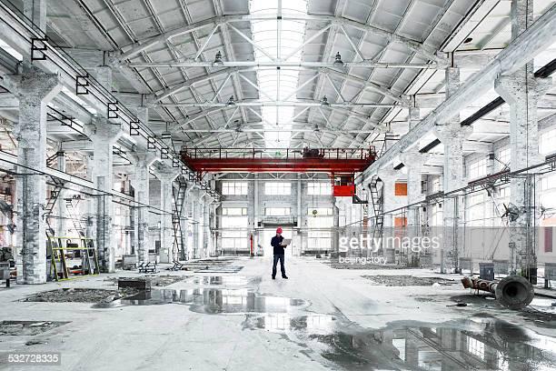 アジアの技術者、工場のインテリア
