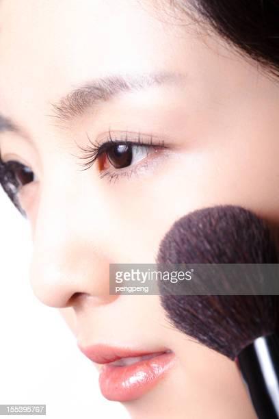 アジア女性のメイクアップ