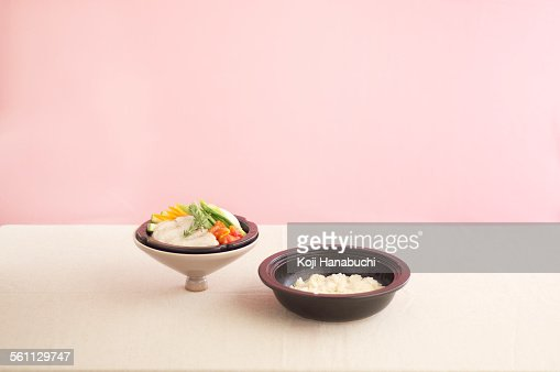 Asian steamer dish and lid