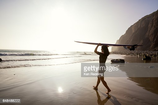 Asian Woman with Surfboard : Stockfoto