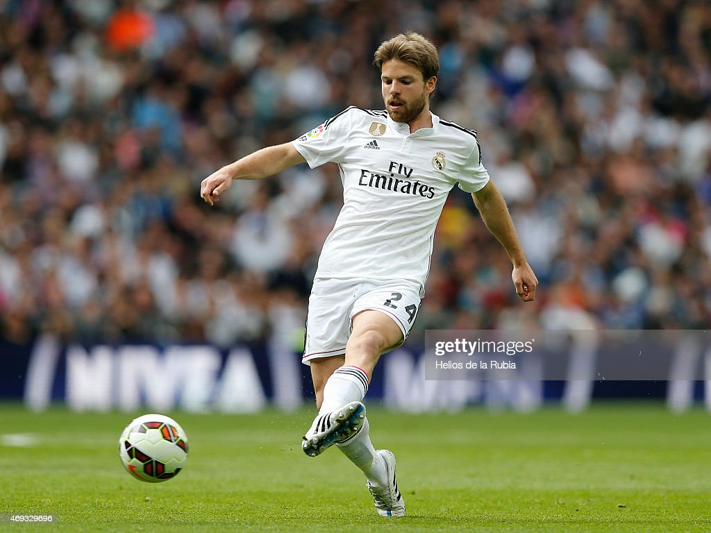 <a gi-track='captionPersonalityLinkClicked' href=/galleries/search?phrase=Asier+Illarramendi&family=editorial&specificpeople=9625979 ng-click='$event.stopPropagation()'>Asier Illarramendi</a> of Real Madrid in action during the La Liga match between Real Madrid CF and Eibar at Estadio Santiago Bernabeu on April 11, 2015 in Madrid, Spain.