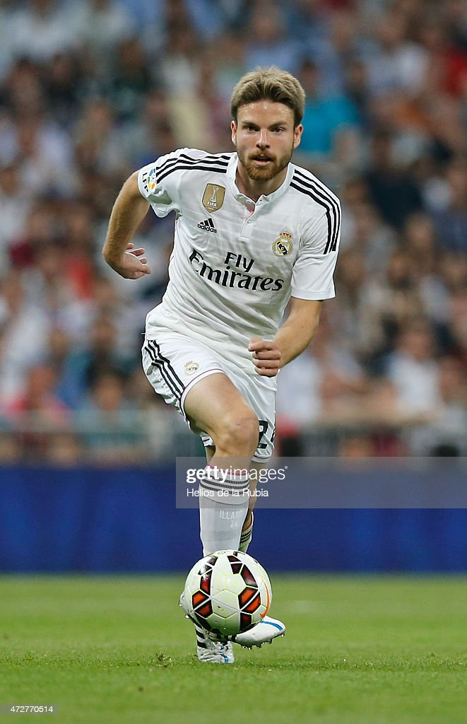 <a gi-track='captionPersonalityLinkClicked' href=/galleries/search?phrase=Asier+Illarramendi&family=editorial&specificpeople=9625979 ng-click='$event.stopPropagation()'>Asier Illarramendi</a> of Real Madrid in action during the La Liga match between Real Madrid CF and Valencia at Estadio Santiago Bernabeu on May 09, 2015 in Madrid, Spain.