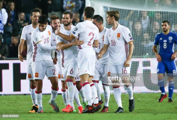 Asier Illarramendi of Spain celebrates his goal with his team mates during the 2018 FIFA World Cup European Group G qualifying football match between...