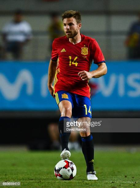 Asier Illarramendi of Spain runs with the ball during a friendly match between Spain and Colombia at La Nueva Condomina stadium on June 7 2017 in...