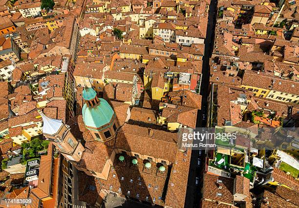Asinelli and Garisenda towers shadow over Bologna