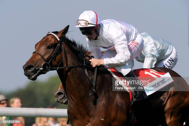 Ask the Butler ridden by Dane O'Neill winning the Best Odds Guaranteed At betinternetcom Stakes