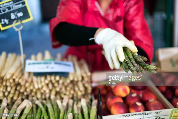 Asparagus on a fruit and vegetable stall