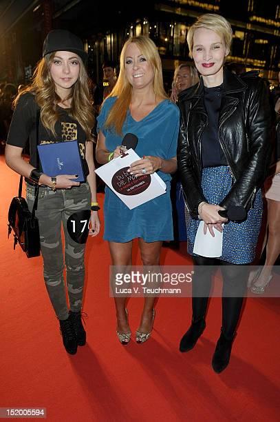 Aspasia Dittmer Jenny ElversElbertzhagen Susann Atwell attends the 'StreetstyleShow 'La Mode c'est vous' Galeries Lafayette ' Du bist die Mode at...