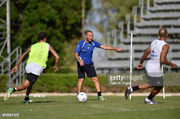 Assistant coach Carlo Marchetto takes part in a training session after the presentation of Giuseppe Bellusci as new player of US Citta' di Palermo at...